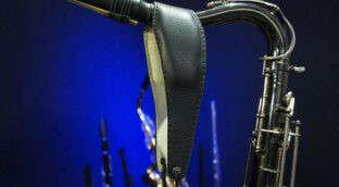 Review of the Cebulla saxophone neck strap