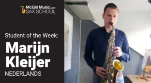 Marijn Kleijer playing his saxophone